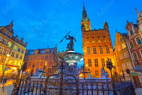 Fototapety, obrazy : Fountain of the Neptune in old town of Gdansk, Poland