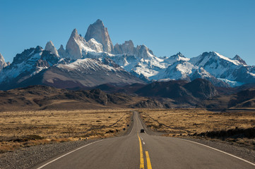 Road to El Chalten, Fitz Roy in background
