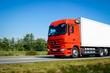 Roter Lastkraftwagen on Tour