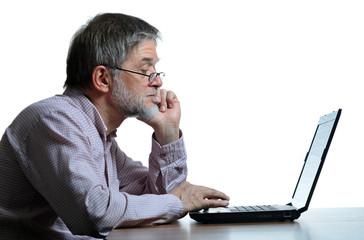 Mann am Computer Probleme