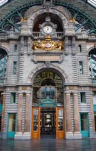 Intérieur de la gare centrale d'Anvers.