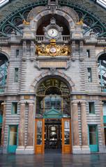 Interior of Antwerp Çentral railway station.