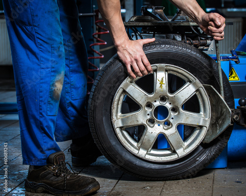 changing tires - 60689243