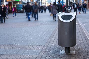 Mülleimer in der Stadt