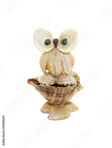 owl figurine made ​​of shells