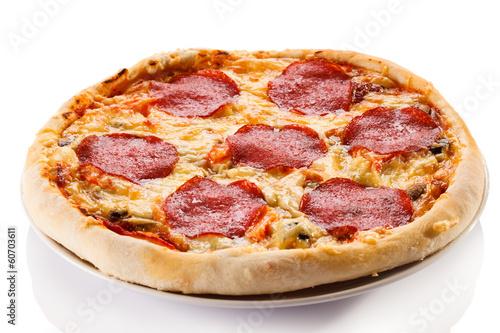 Deurstickers Klaar gerecht Pizza on white background