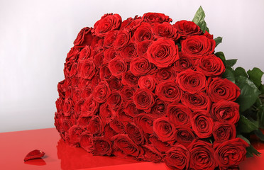 bouquet of redl roses