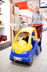Child friendly supermarket shopping