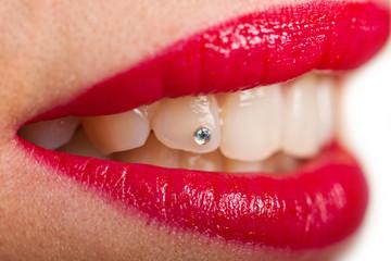 piecing ai denti