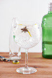 Star anise and juniper gintonic