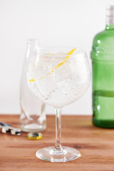 Classic gin tonic in balon glass