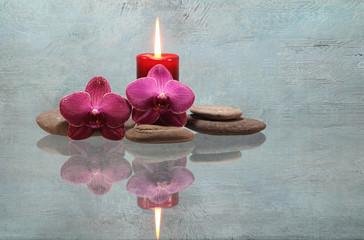 Orchideen mit Kerze