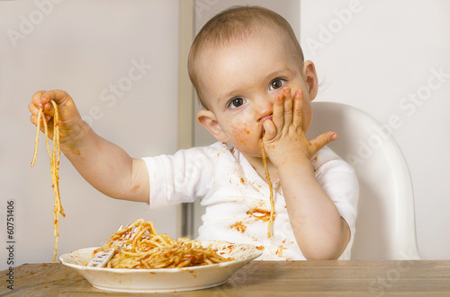 canvas print picture Baby isst Spaghetti 01