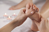 foot massage - 60752692