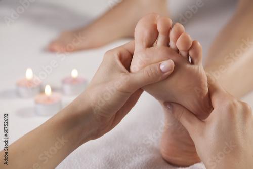 Leinwanddruck Bild foot massage