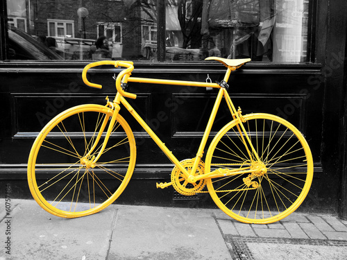 Obraz w ramie yellow bike