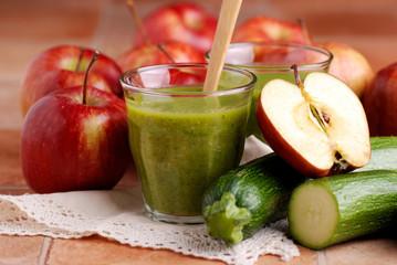 frullato di mela e zucchino