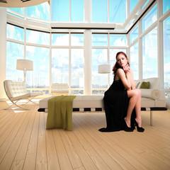 attraktive junge Frau in Luxus-Appartment