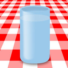 Bicchiere d'acqua in tavola 2