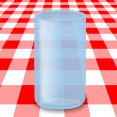 Bicchiere d'acqua in tavola
