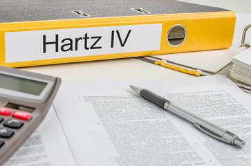 Aktenordner mit der Beschriftung Hartz IV