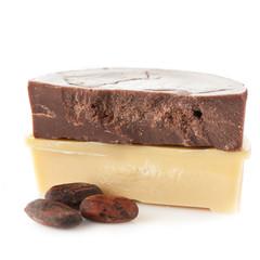 Organic cocoa oil and cocoa beans
