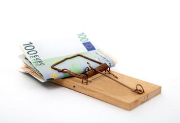 Euro Geldscheine in einer Mausefalle