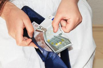 Portafoglio con euro
