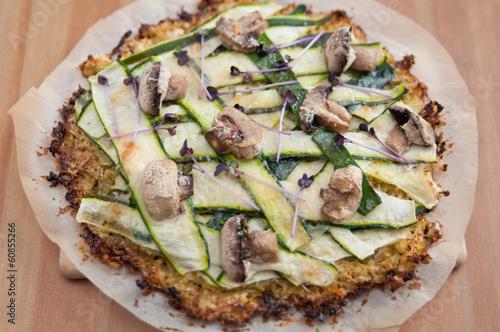 canvas print picture Gesunde Pizza mit Gemüse