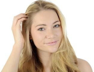 Hübsche blonde Frau im Portrait