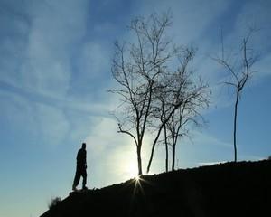 yeni gün&zirvede güneşi karşılamak