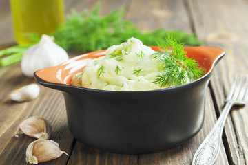 Potato puree with dill