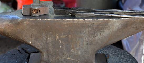 marteau et enclume