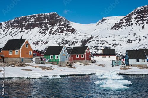 Foto op Plexiglas Antarctica 2 Colorful houses in springtime, Qeqertarsuaq, North Greenland