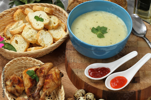 corn soup and garlic bread