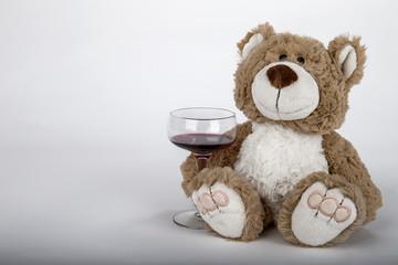 Teddy mit Wein