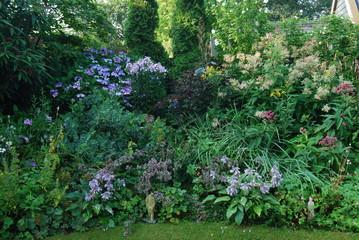 bloemenborder in tuin