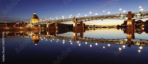 Plexiglas Stad aan het water Les belles couleurs de Toulouse au coucher de soleil