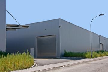 Fabrikgebäude in Industriegebiet