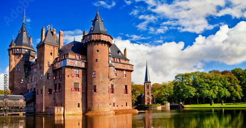beautiful romantic holland castle on water de Haar