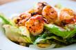Leinwanddruck Bild - Shrimp salad