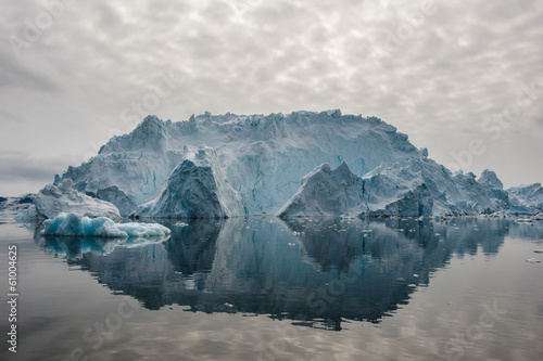 Foto op Plexiglas Antarctica 2 Reflection of icebergs in Disko bay, North Greenland
