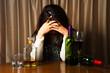 アルコールで悩む女性