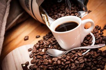 Caffè espresso caldo, fumante