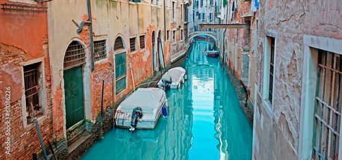 green canal - 61086226
