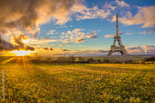 Paris à proximité de la province