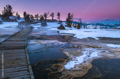 Fotobehang Natuur Park Yellowstone Winter Landscape at Sunset