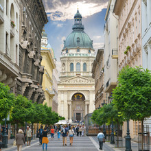 Rue Zrinyi utca et de la basilique Saint-Étienne de l `