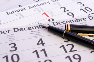 Kalender mit Füller