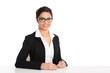 Geschäftsfrau indischer Herkunft mit Brille - freigestellt